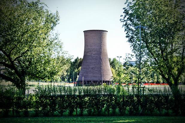 La torre evaporativa dell'area Michelin del Parco Dora