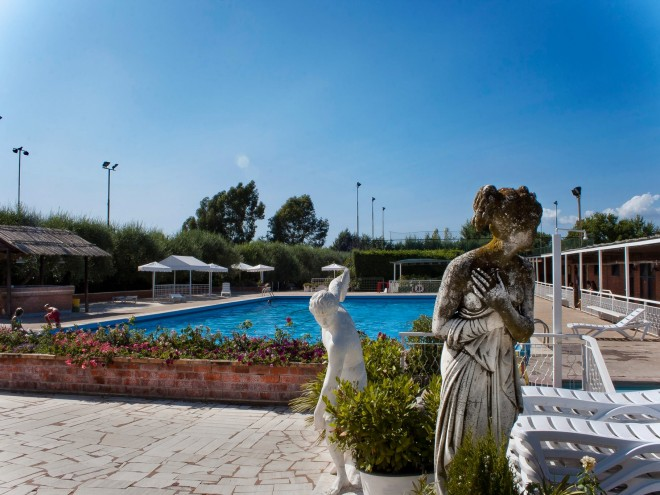 Dove tuffarsi in piscina a roma zero - Piscina monti tiburtini ...