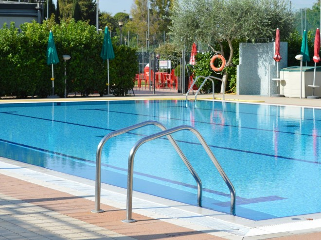 Dove tuffarsi in piscina a roma zero - Piscina eur roma ...