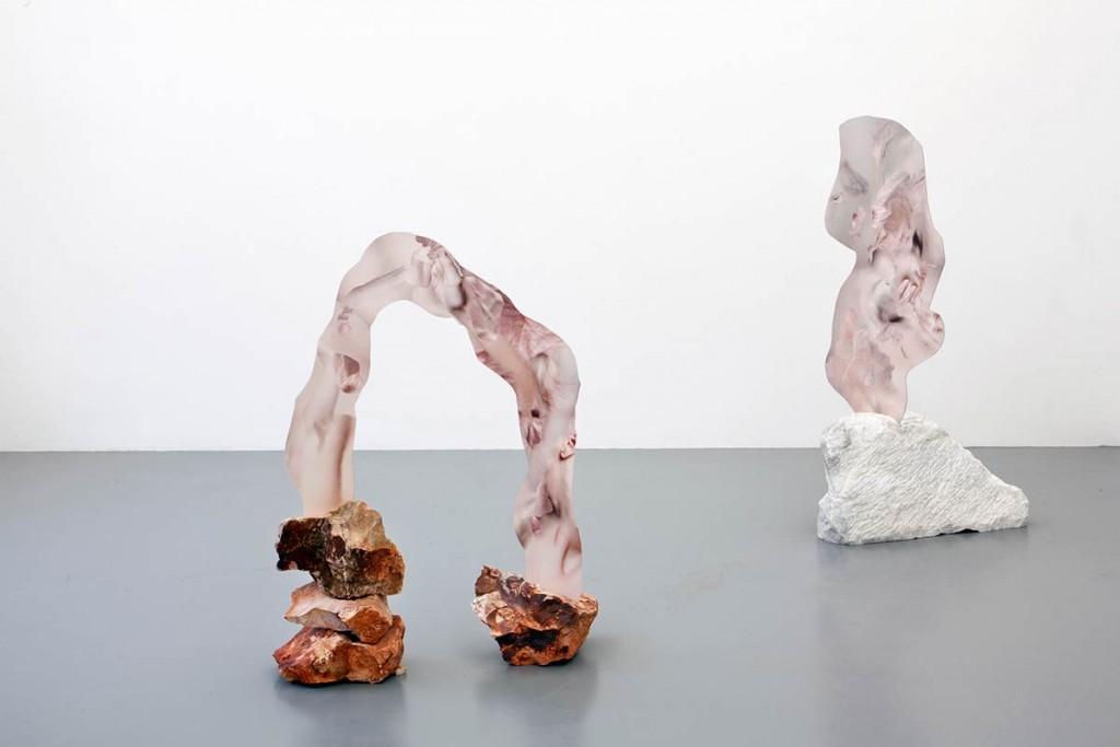 """Sculpted Human Skin In Rock"", opera di Rachel de Joode del 2014."