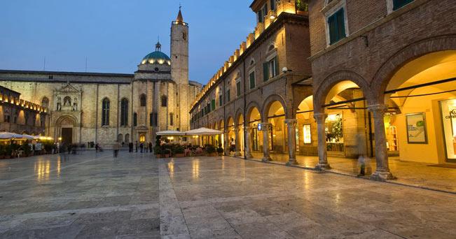 Piazza-del-Popolo-ascoli-piceno