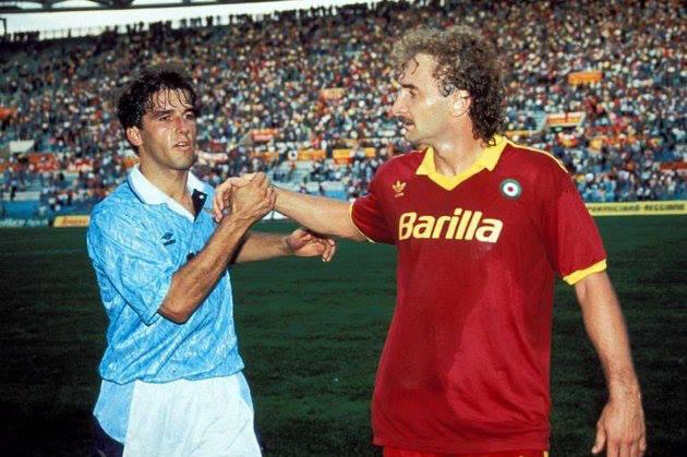 Karl-Heinz_Riedle e Rudi Völler in un derby di inizio anni 90.