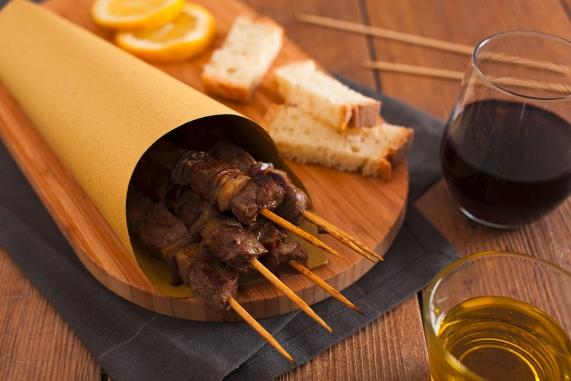 Risultati immagini per vino e arrosticino