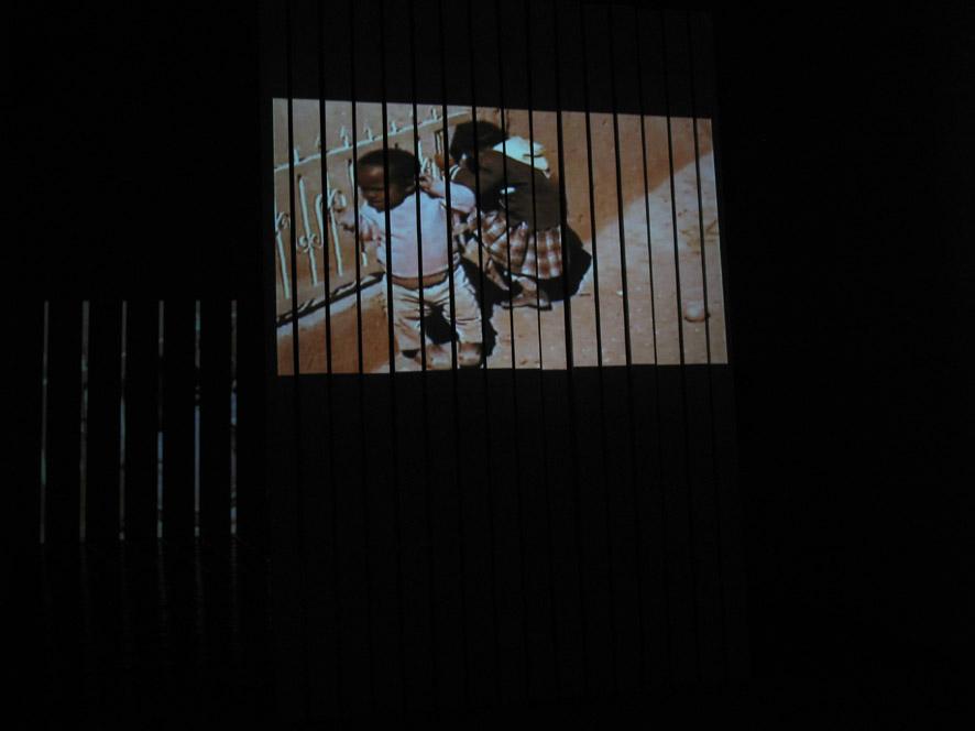 Marco Belfiore, Patampa, proiezione video su Tatami di Riccardo Previdi. Veduta dell'installazione, Studio 21, Gertrude Contemporary Art Space, Melbourne 2006. Courtesy gli artisti