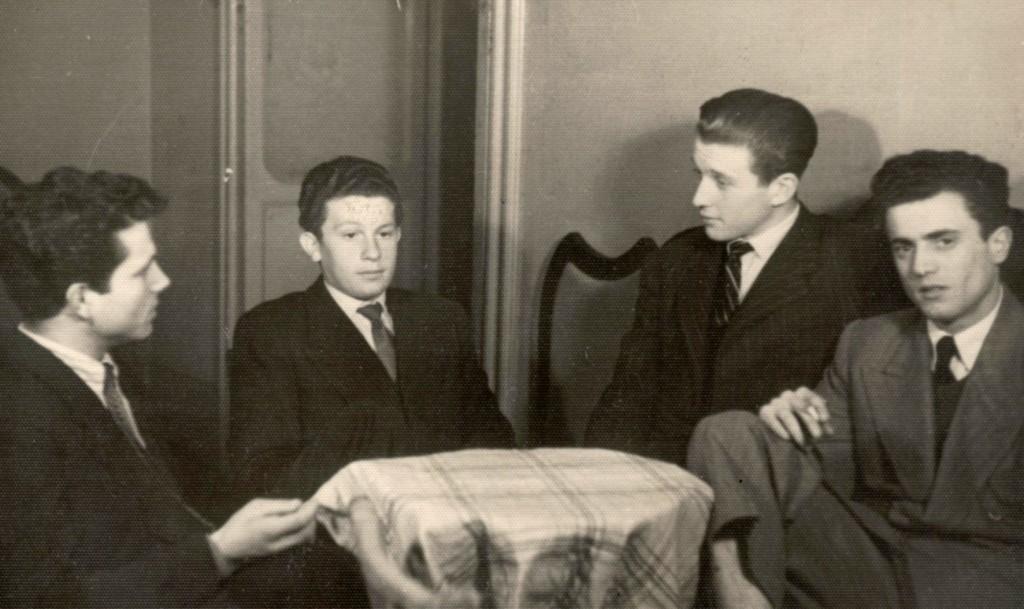 Il papà di Nicola Guiducci, il primo a destra