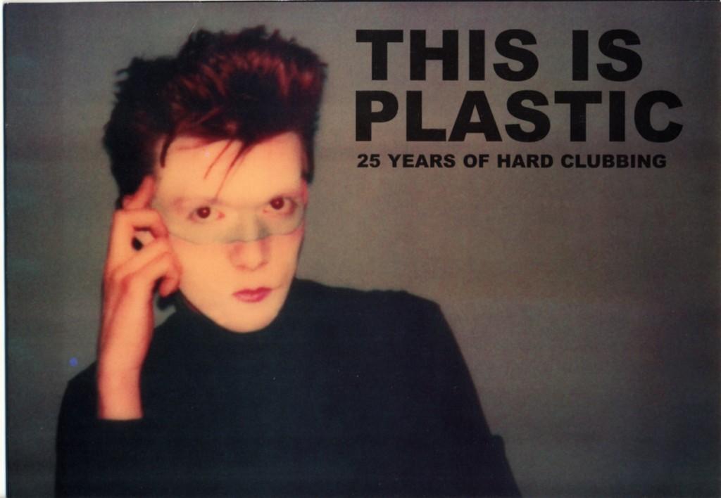 Le celebrazioni dei 25 anni del Plastic con una foto di Nicola giovanissimo e appena arrivato a Milano