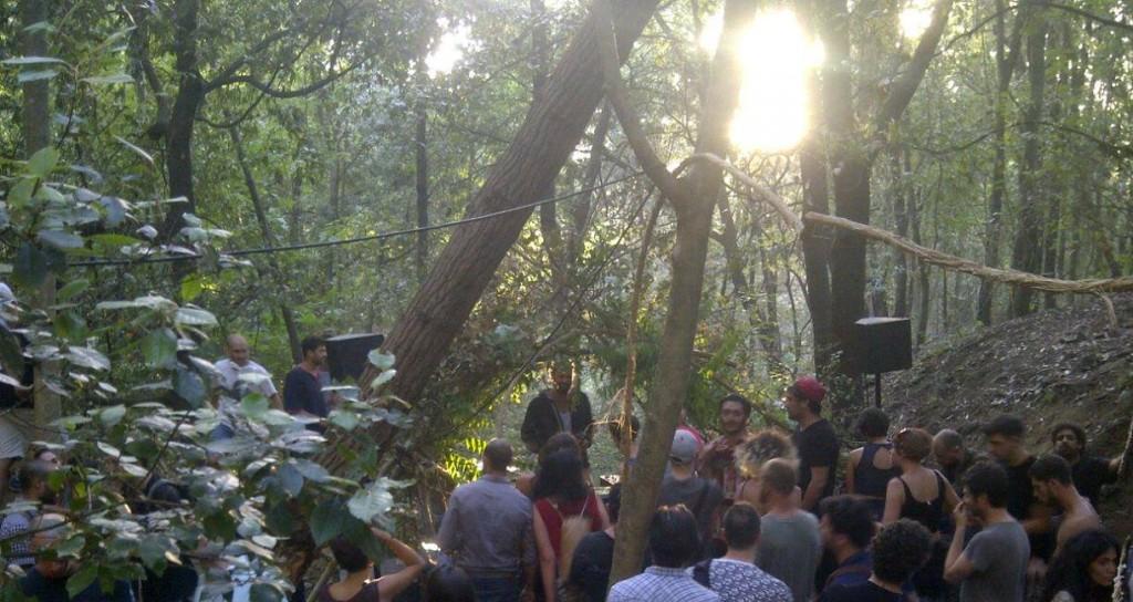 Ore 7 del mattino: Tyler e un party psichdelico in Toscana, zona Fiesole