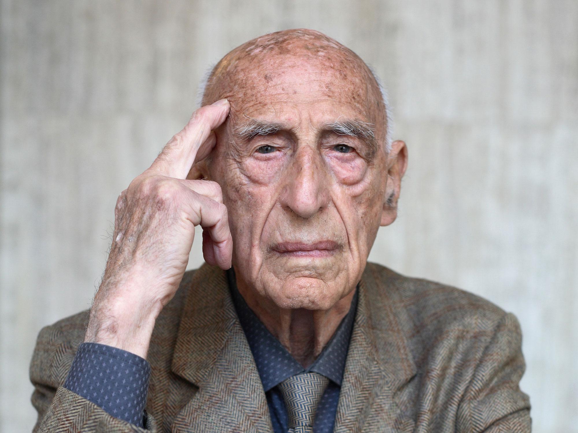 Gillo Dorfles, il grande critico d'arte, pittore e filosofo italiano