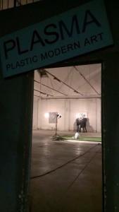 L'ingresso della galleria d'arte del Plastic con uno scorcio della nuova mostra curata da Nicola