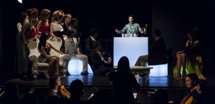 Traviata, allestimento Moderno. Teatro filodrammatici di Milano. aprile 2015