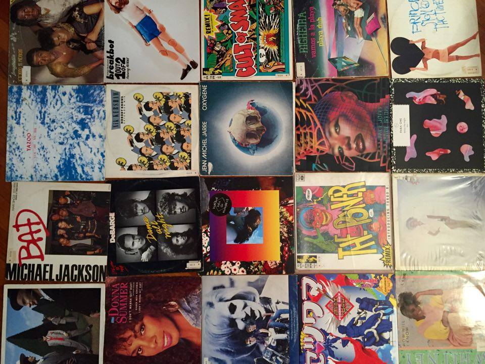Una parte della collezione di vinili synth pop di Chiamu