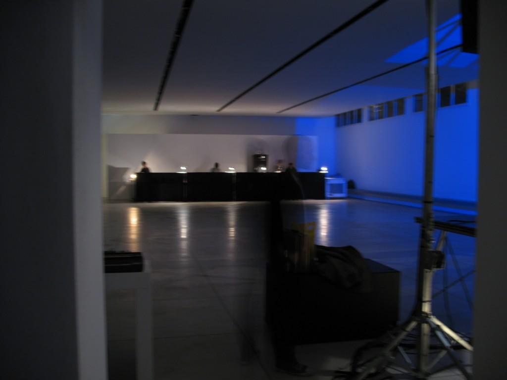 Preparazione di  Privat Party in un loft di via Scalarini, anno 2008