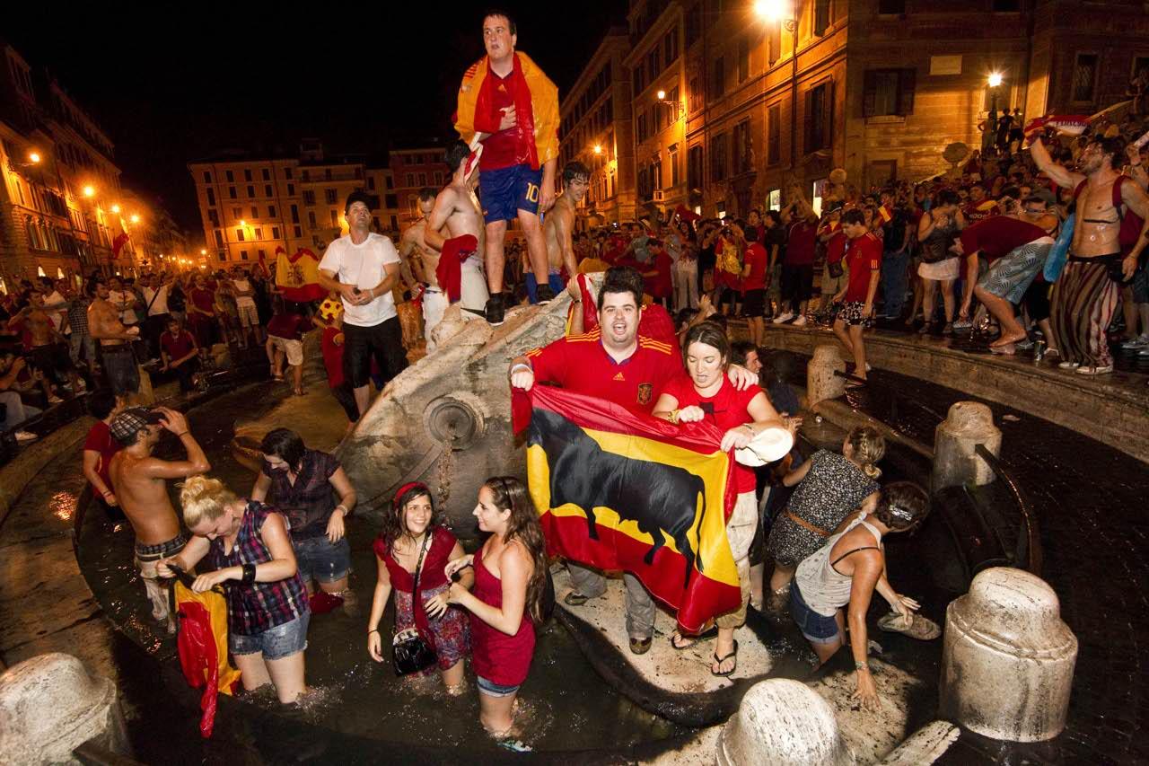 spagnoli che festeggiano