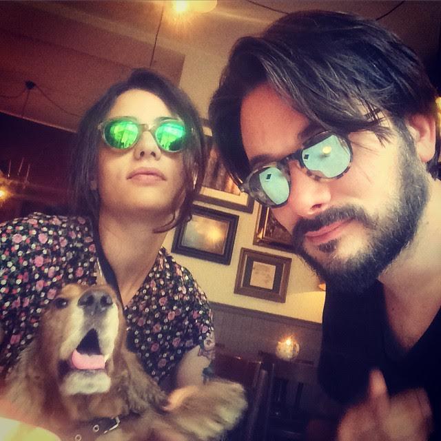 Il cane Ugo, Marcellina e Tiberio, modalità occhiali a specchio