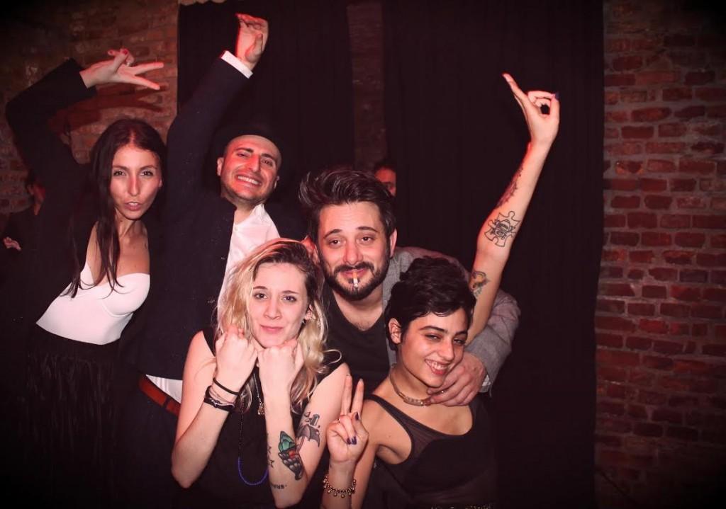 Da sinistra Valentina, Rocco, Polly, Tiberio e Marcellina al Tombon de San Marc in Brera