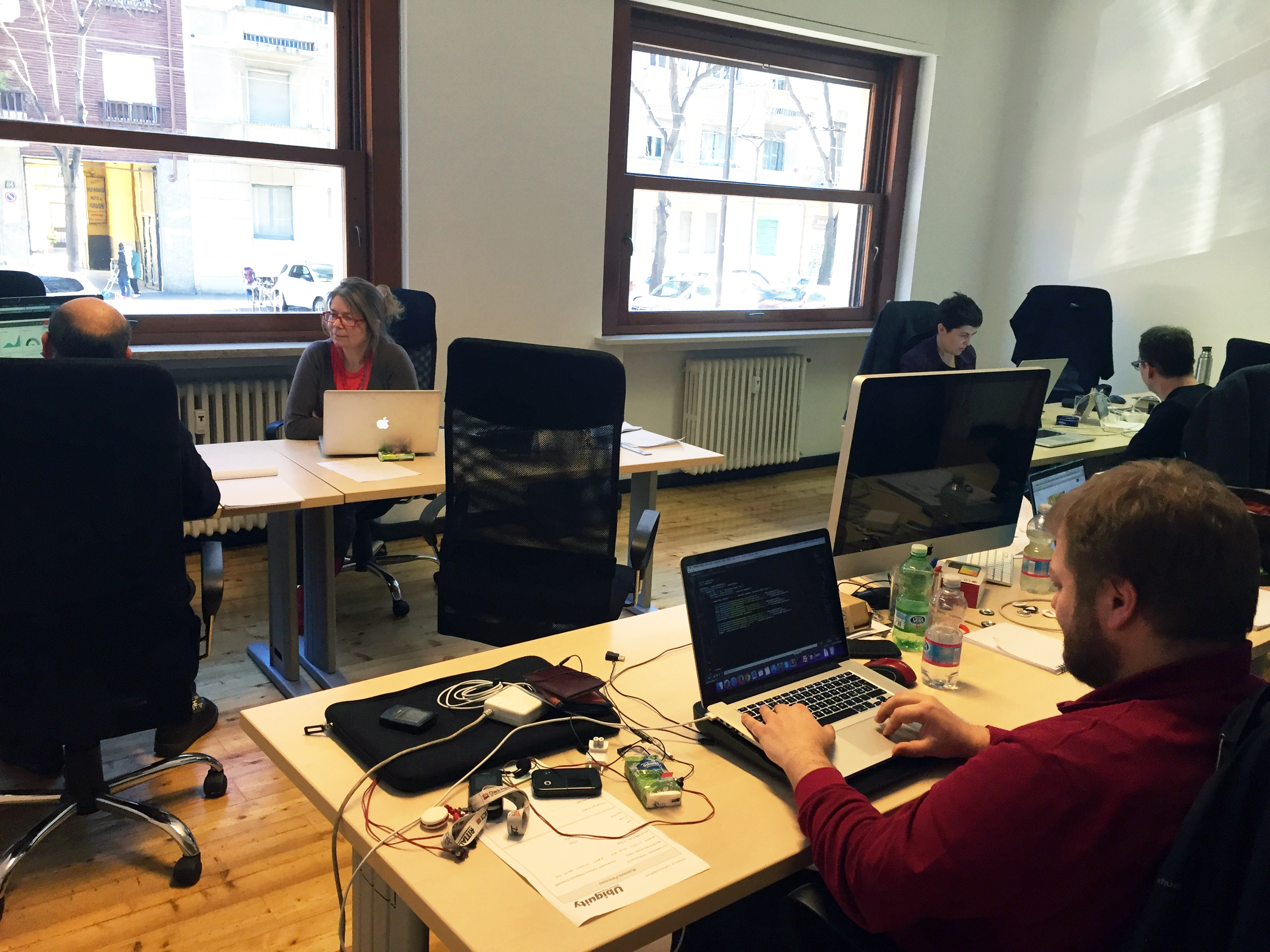 Il quartier generale di UbiquityLab con il team a lavoro