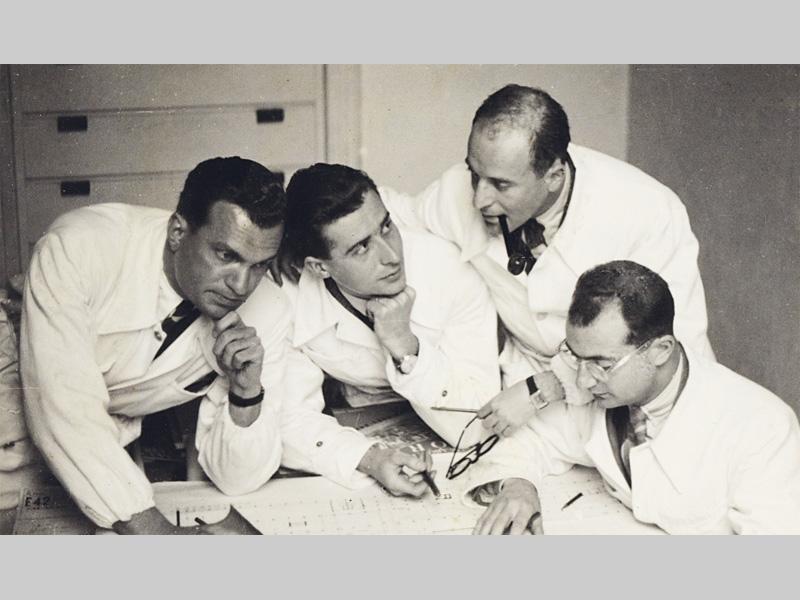 Da sinistra: Enrico Peressutti, Lodovico Belgiojoso, Ernesto Nathan Rogers e Gian Luigi Banfi [Immagine concessa da GTA Archives, ETH Zurich, holding Alfred Roth]