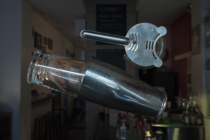 Il Boston Shaker fotografato da Raul Colombi per la mostra Bar Tools/Cose da barman a cura di Zero presso la Galleria Plasma del Plastic, marzo 2016