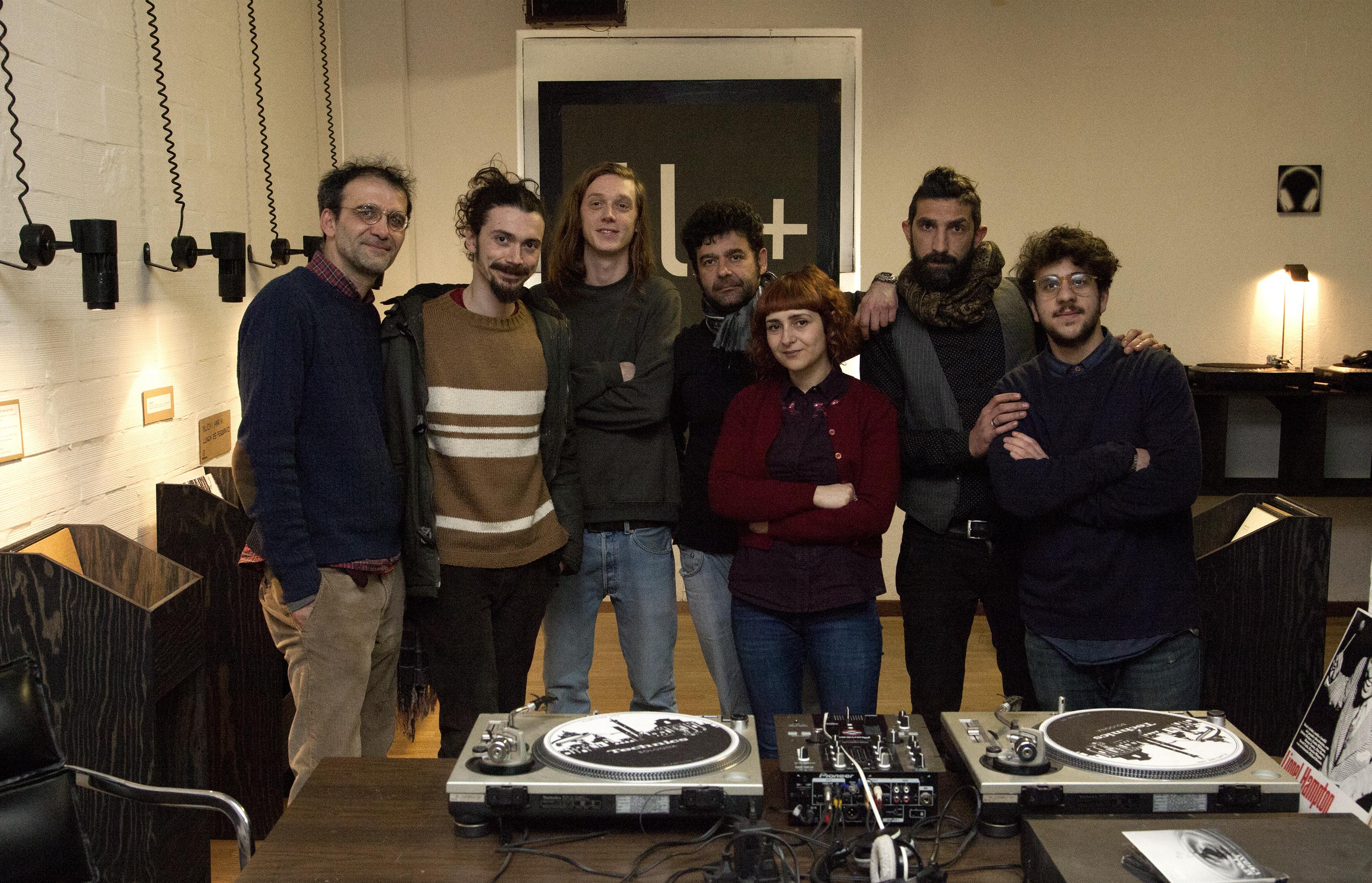 Lo staff di SoundLab. Da sinistra a destra: Giovanni Maraschini, Alberto Irrera, Gianluca Ridolfi, Edoardo Podo, Daniela Guccini, Davide Crucitti, Edoardo Cutrino.