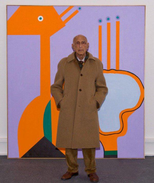 """Gillo davanti alla sua opera """"Custodire l'intervallo"""", 1996"""