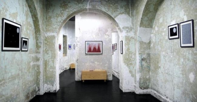 """Motelsalieri durante l'esposizione """"Docetica"""" di David Tibet"""