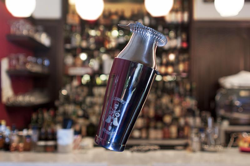 Cocktail First, Question Later: il Parisienne della linea di bar tools di Oscar Q - ©  Raul Colombi