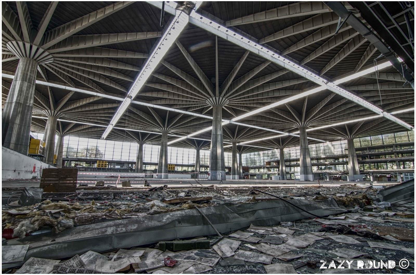 Il palazzo del lavoro di Pierluigi Nervi in una foto recente