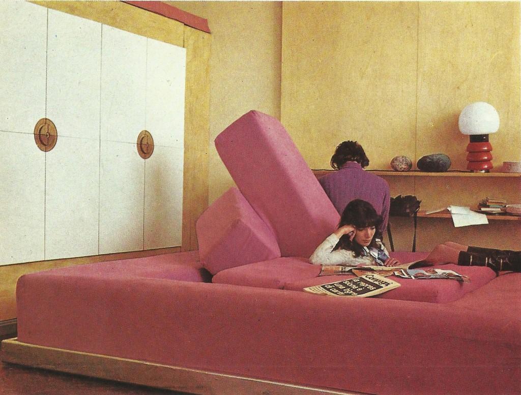 Gianni Pettena, Rumble Sofa. Galleria Erastudio
