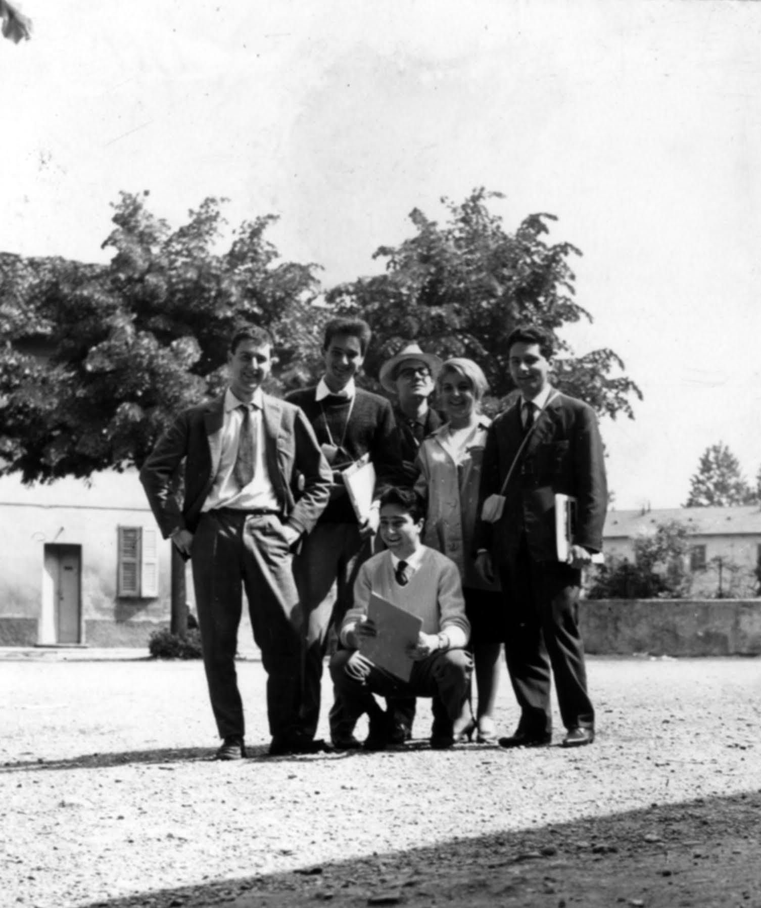 Da sinistra: Alberto Seassaro, Renzo Piano, Ugo La Pietra, Milly Cappellaro - 1961