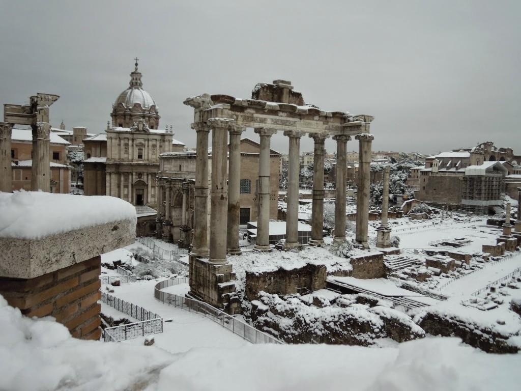 Roma, febbraio 2012, clima ideale per il proprio debutto artistico.