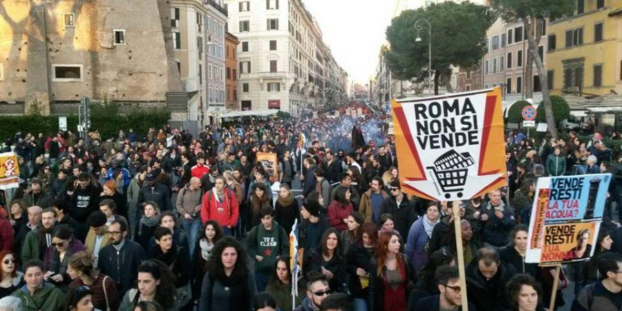 """""""Roma non si vende"""". Corteo del 19/03/2016."""