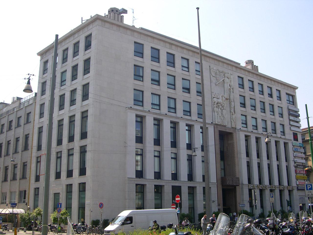 Milano - Palazzo della stampa in piazza Cavour