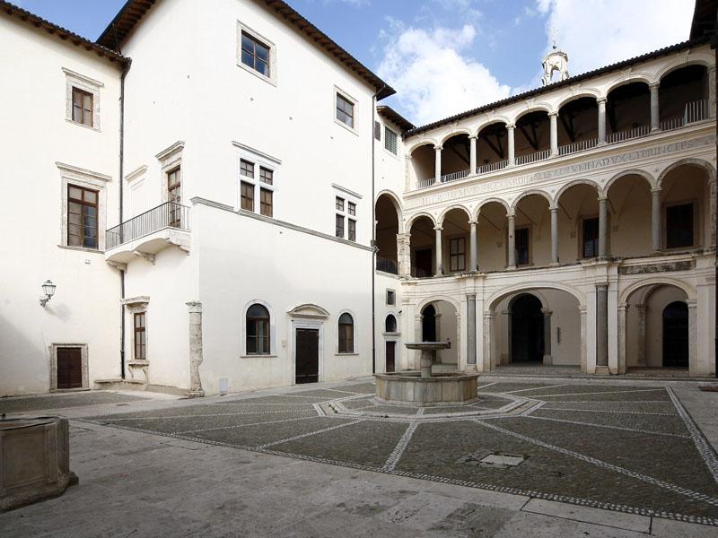 Castello Colonna, sede del Ciac, Centro internazionale per l'arte contemporanea di Genazzano.