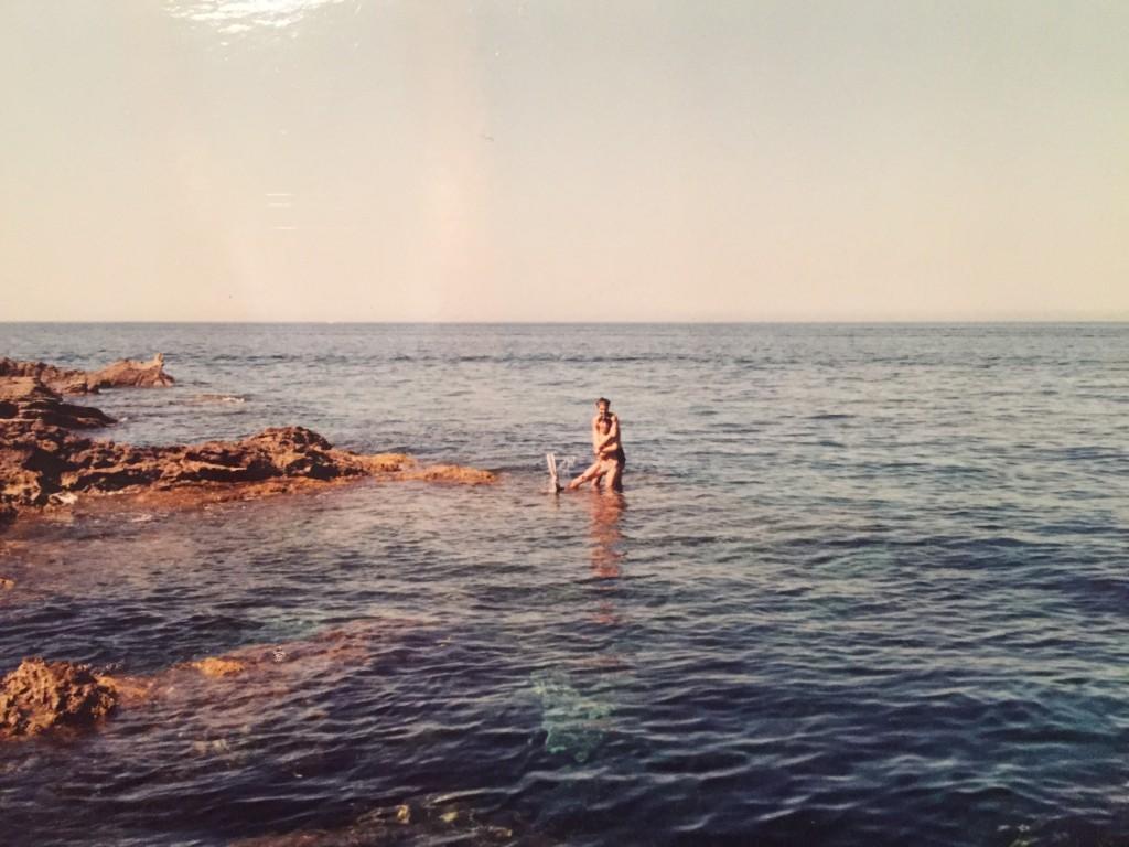 Ruggero Pietromarchi e Francesca a Pantelleria mentre tentano di annegarsi a vicenda