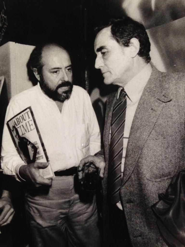 Il disegno di Keith ovviamente non è stato fotografato ma Jacopo ci ha mandato questa foto storica di Elio Fiorucci e Vittorio Gassman al Tenax