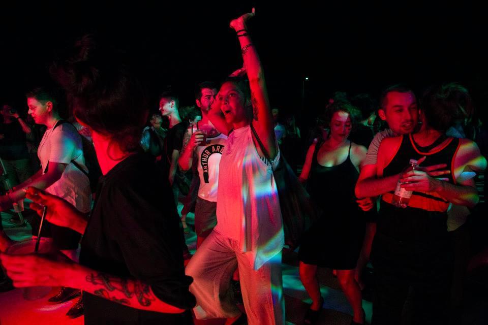 Il pubblico ballerino si Summer Casino - foto di Lorenzo Palmieri