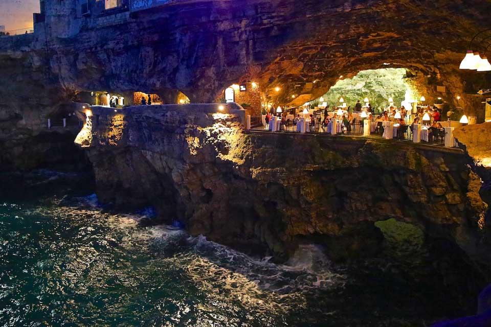 Risultati immagini per polignano a mare grotta palazzese