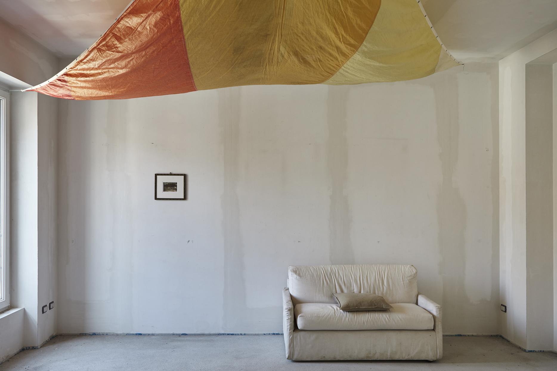 Giovanni Oberti, Terzo piano a sinistra, Installation view, FuturDome Milano, agosto 2016, ph. Floriana Giacinti