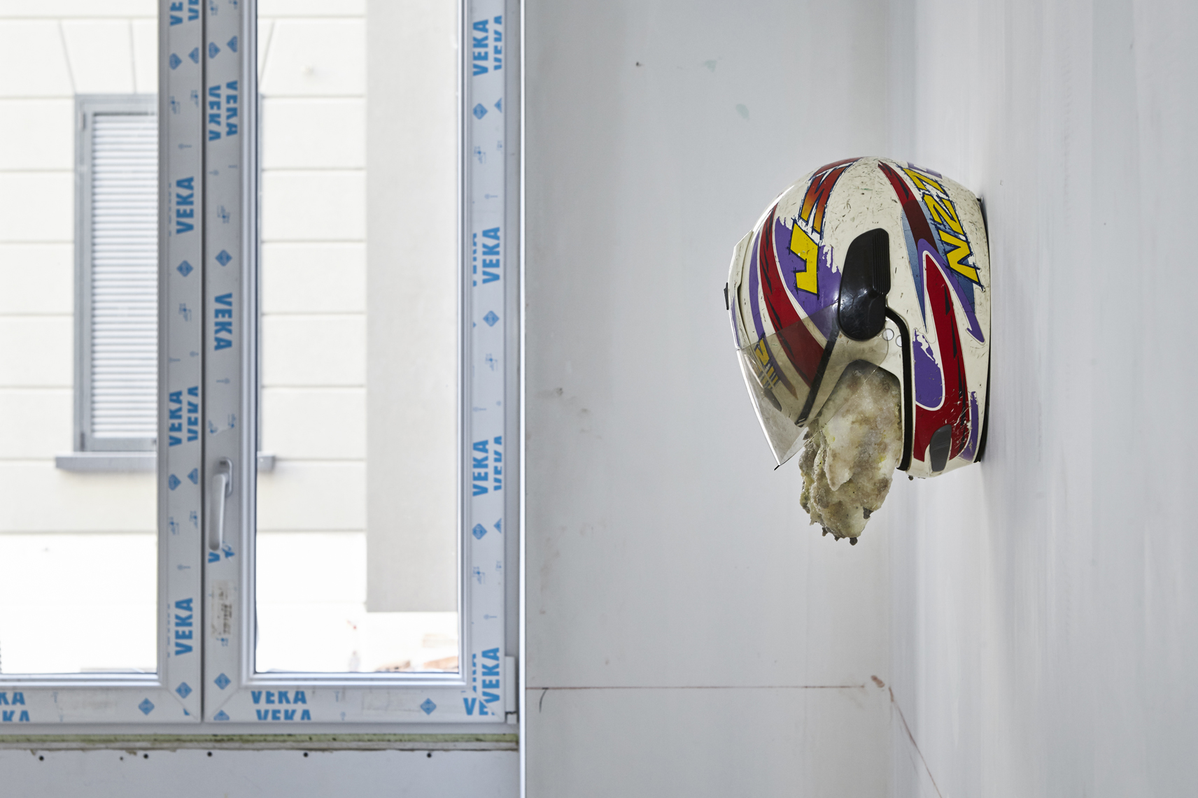 Michele Gabriele, Terzo Piano a sinistra, Installation view, FuturDome Milano, agosto 2016, ph. Floriana Giacinti