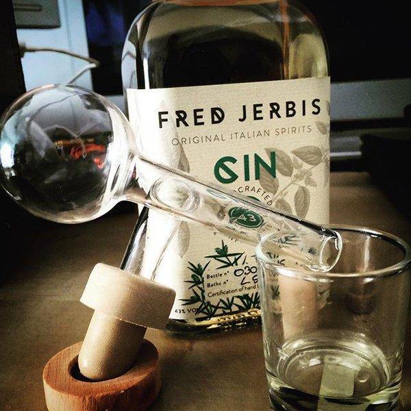 Fred Jerbis è prima di tutto un'erborista che cerca la ricetta perfetta