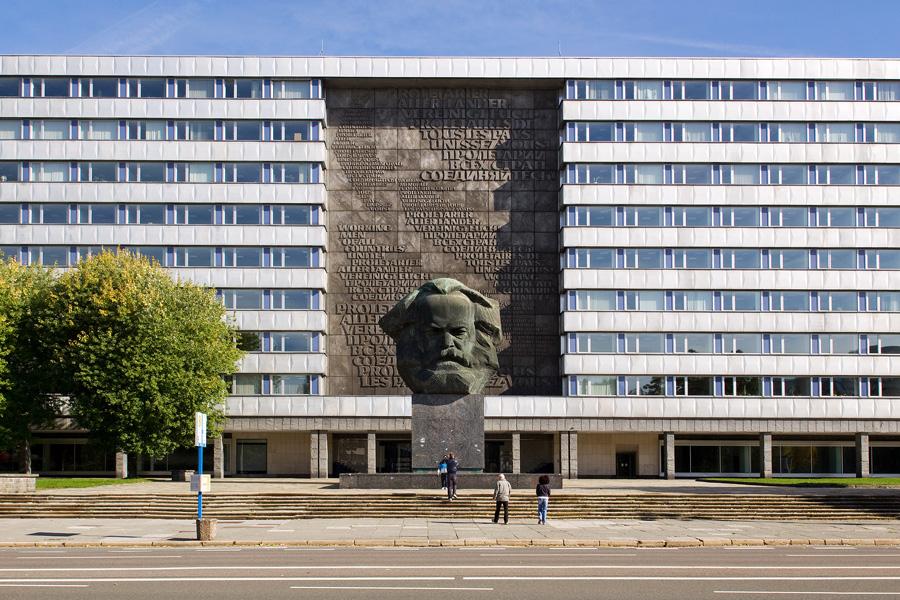 Il monumento dedicato a Karl Marx a Chemnitz.