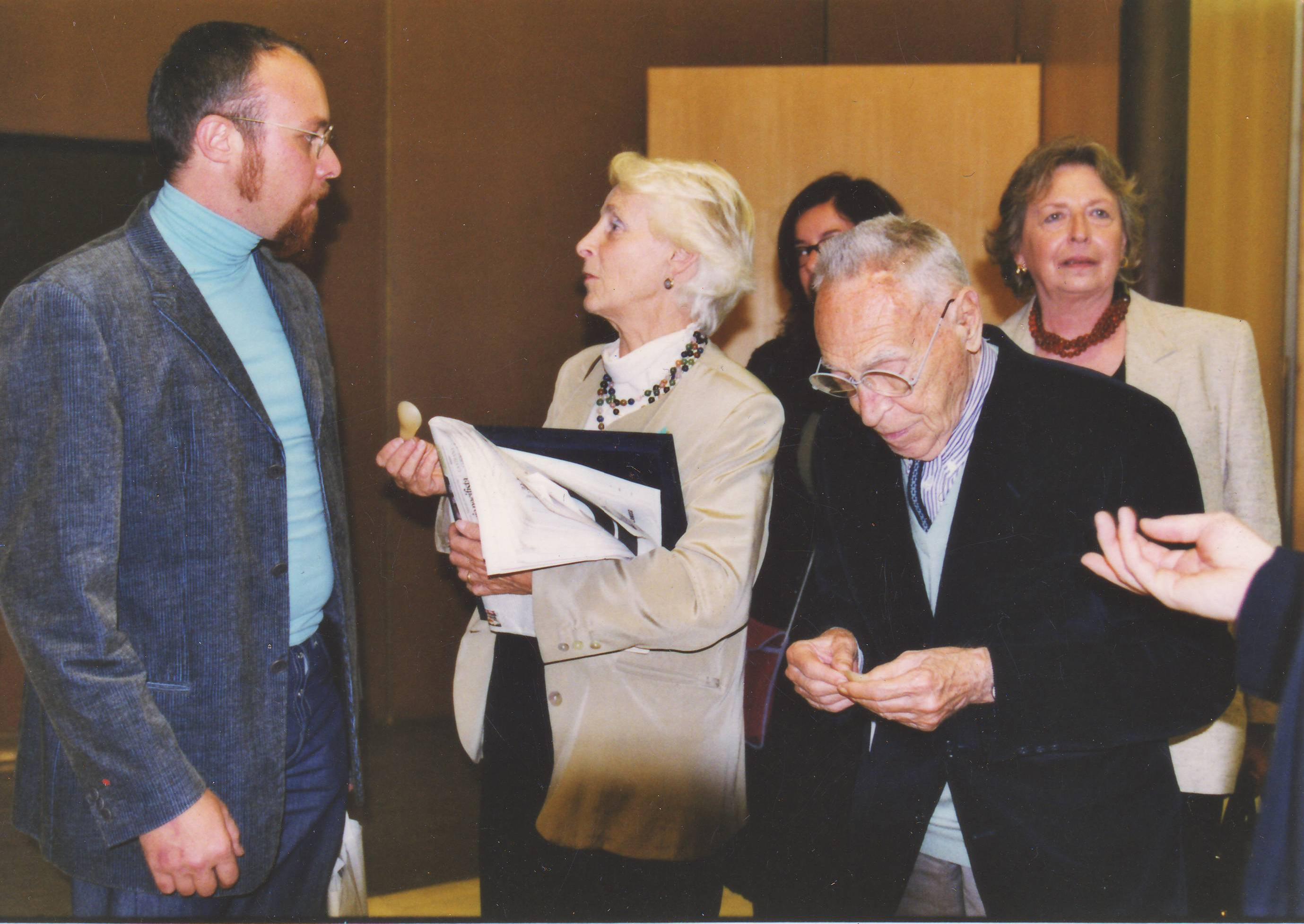Assegnazione compasso d'oro per il Moscardino con Achille Castiglioni, 2001
