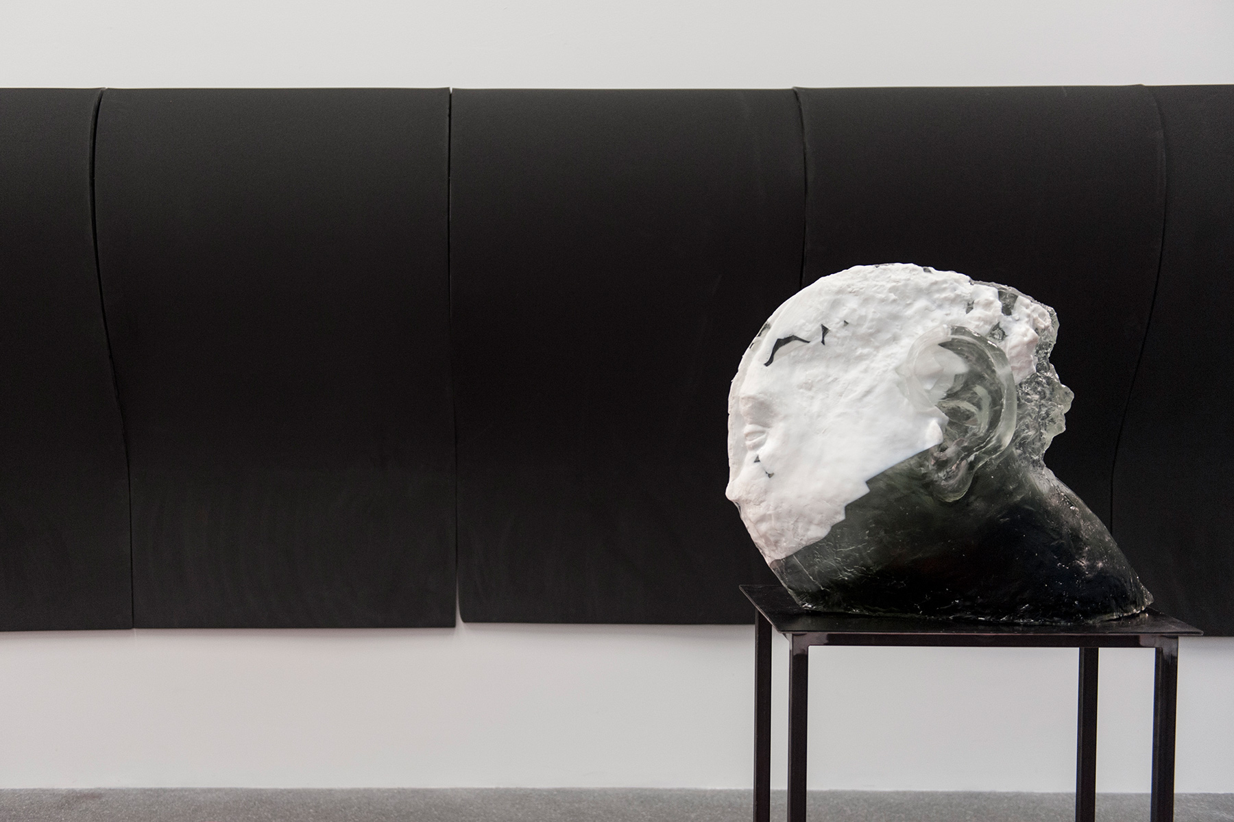Diego Perrone, Il servo astuto, Museion, Bolzano, 2013  (Installation views) Foto Seehauser CourtesyMassimo De Carlo, Milano/Londra/Hong Kong