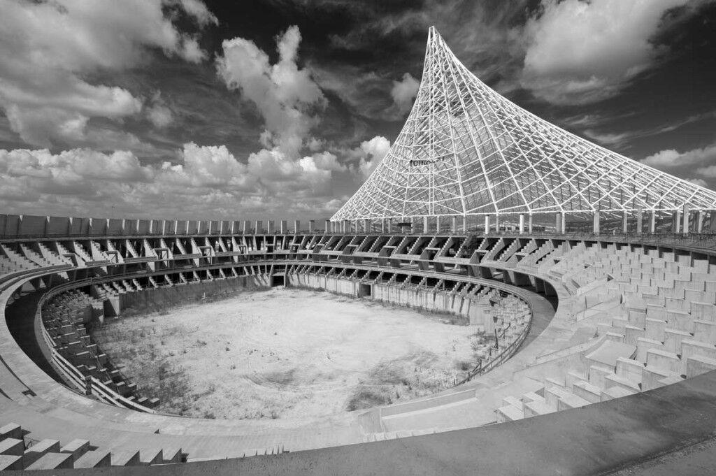 I cantieri incompiuti della Città dello Sport di Calatrava.