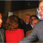1984 - Silvio Berlusconi e Bettino Craxi si stringono la mano compiaciuti