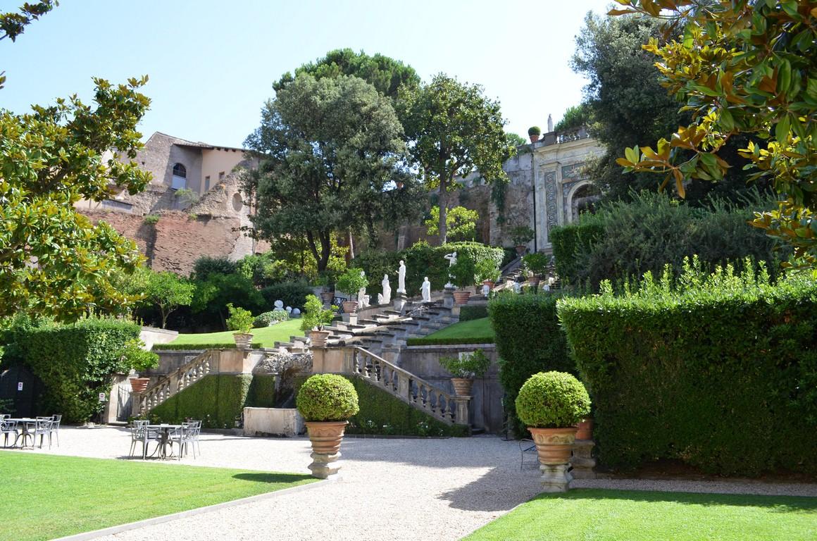 Ville di roma a porte aperte zero for Giardini per ville private