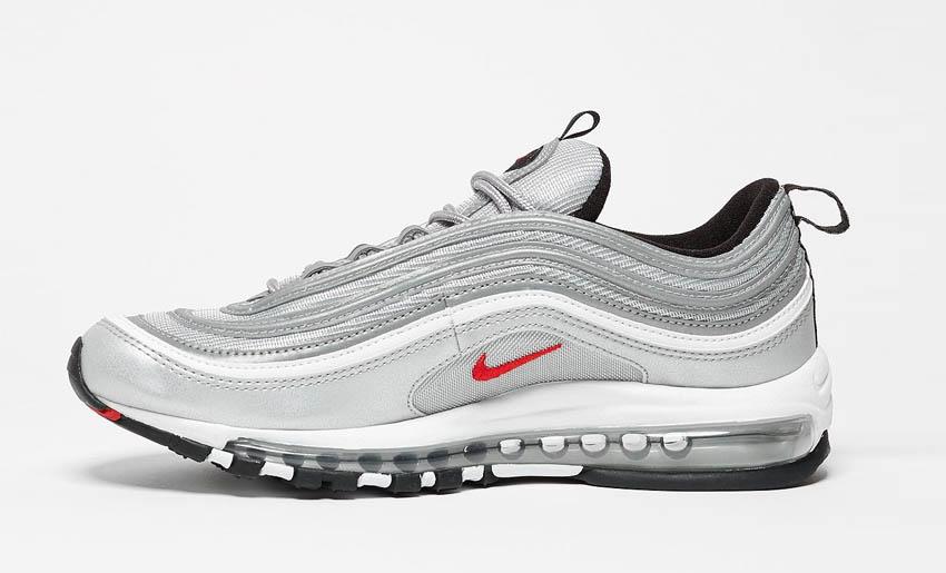 Le Nike 97 Silver, per un periodo simbolo della romanità al pari di Colosseo e supplì al telefono.