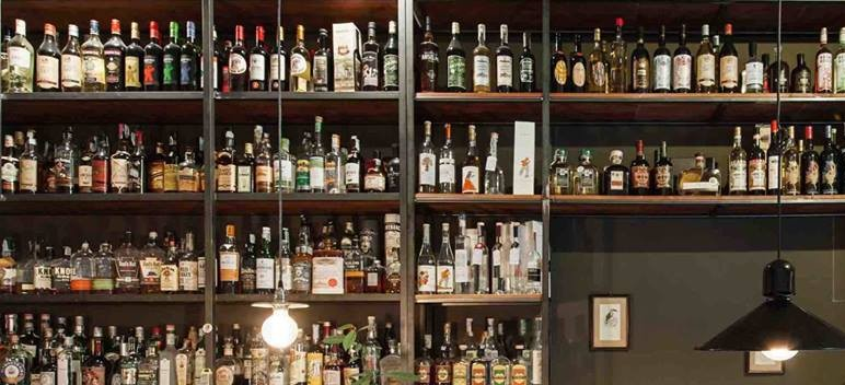 La bottiglieria di Mezzo.