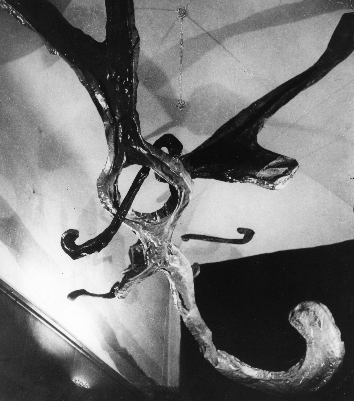 Ambiente spaziale a luce nera, 1948-1949 Cartapesta, vernice fluorescente e luce di Wood © Fondazione Lucio Fontana, Milano
