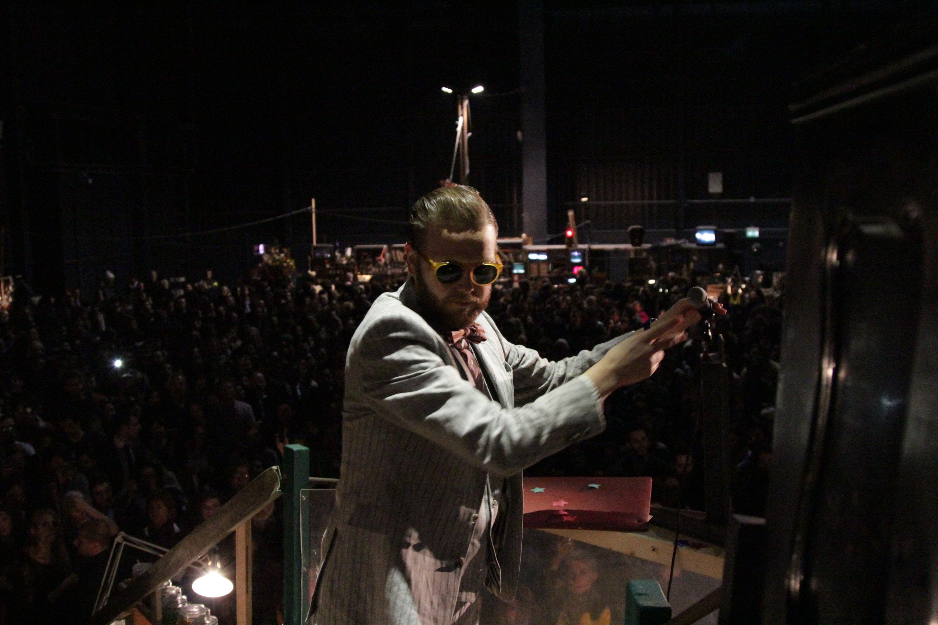 Ragnar Kjartansson, Davíð Þor Jónsson e Oddur Roth, An Evening of Country and Western, Pirelli HangarBicocca, Milano, 2013. Courtesy Pirelli HangarBicocca, Milano.